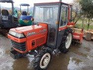 KUBOTA L1-255 with Cabin